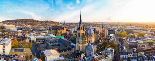 Tableau sur Toile Panorama Aachen Stadtbild mit Dom und Rauthaus, Dreiländereck