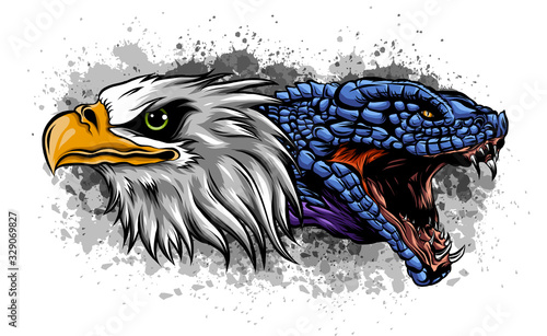 Fotografia eagle fighting a snake serpent . Tattoo style vector