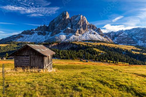 Stunning view of Peitlerkofel mountain from Passo delle Erbe in Dolomites, Italy Fototapeta