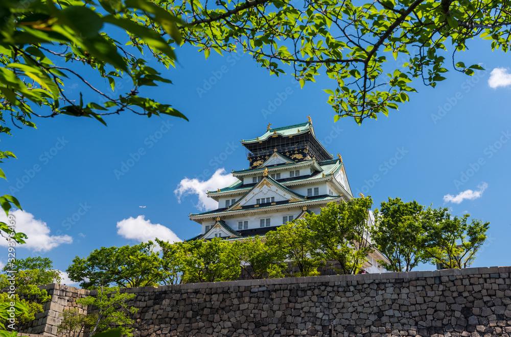 Osaka Castle in Osaka,Kansai,Japan <span>plik: #329376469   autor: Visionsi</span>