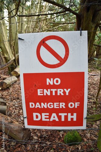 Canvas Red and white sign: No entry danger of death