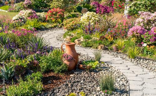 Tela path leading through a garden