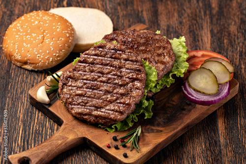 Fotografiet Fresh meat cutlets