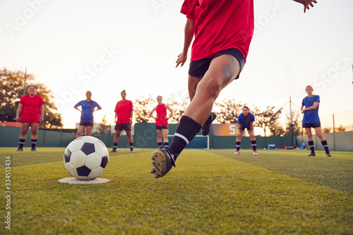 Tablou Canvas Close Up Of Player Taking Penalty During Womens Soccer Match