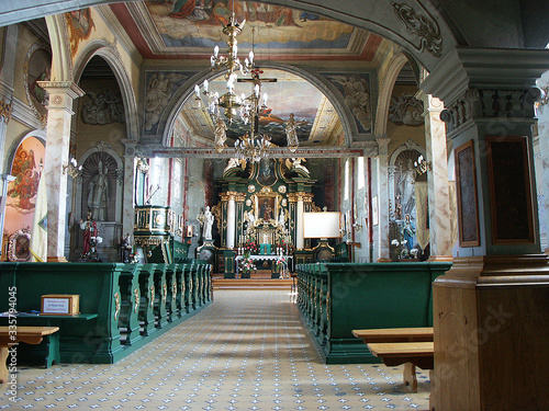 Jaćmierz kościół wnętrze