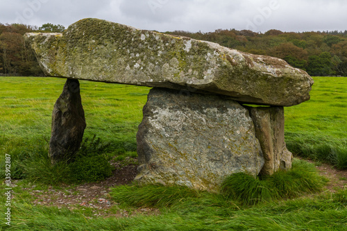 Foto Presaddfed Burial Chamber in Anglesey, North Wales.
