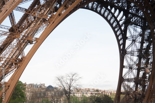 Canvastavla Low Angle View Of An Eiffel Tower