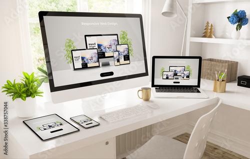 Obraz na plátně responsive devices on home office setup