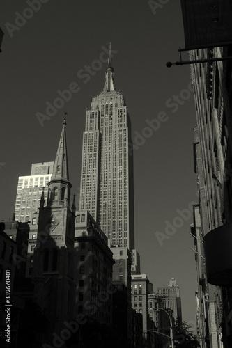 Obraz na płótnie Low Angle View Of Empire State Building In City