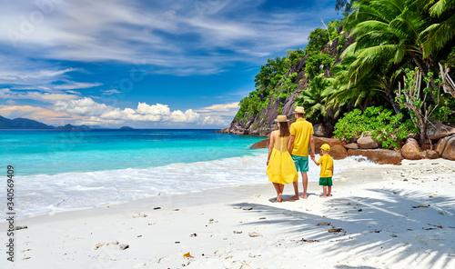 Stampa su Tela Family with three year old boy on beach. Seychelles, Mahe.