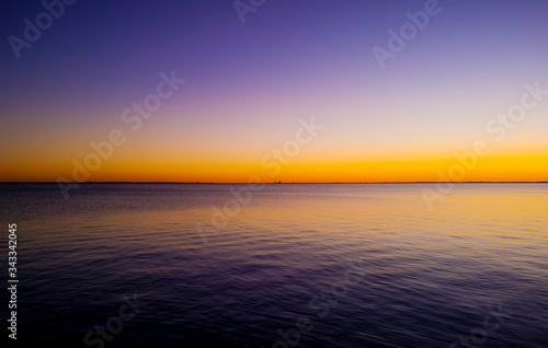 Canvas-taulu View Of Calm Sea At Dusk