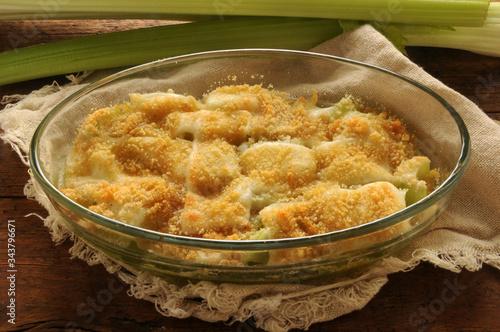 Sedano gratinato al formaggio ft0204_5628 Grated celery with cheese Fototapet