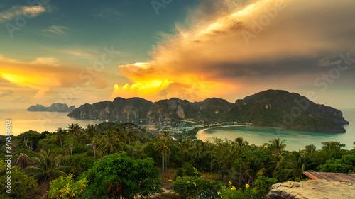 фотография Travel vacation background - Tropical island with resorts - Phi-Phi island, Krab