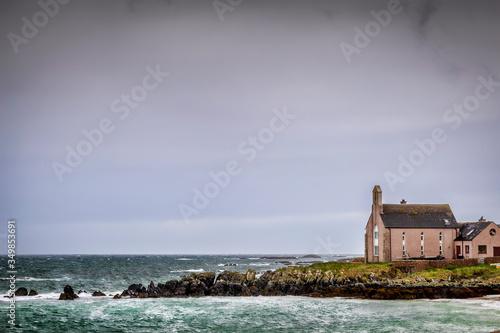 Obraz na plátne sea front church on Iona