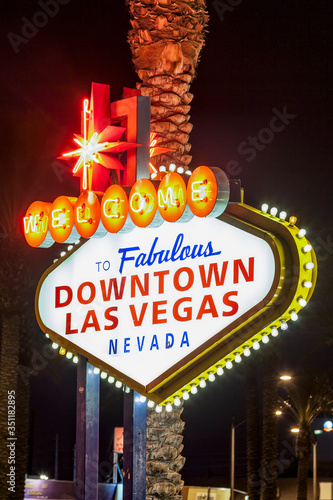 Canvas Print The downtown Las Vegas sign at night