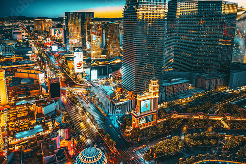 Canvas Print Main street of Las Vegas-is the Strip in evening time.