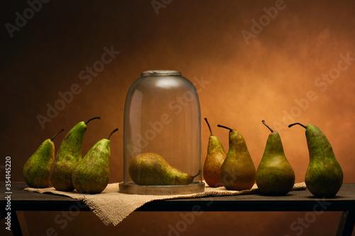 Obraz na plátně Scene played with pears