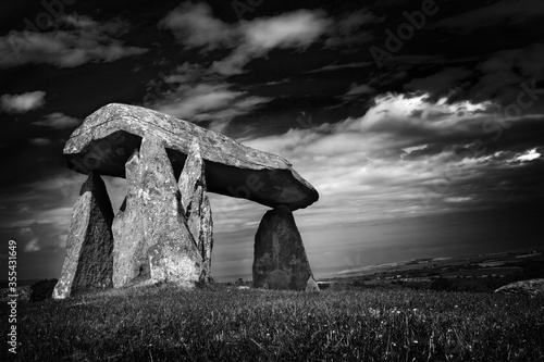 Canvas Print The Pentre Ifan a prehistoric megalithic stone burial chamber dating from approx