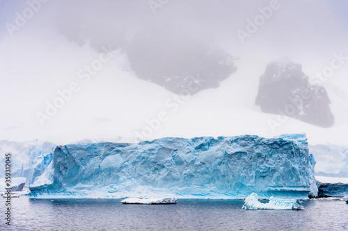 Fotografie, Obraz landscape of the glacier of Antarctica, South Pole