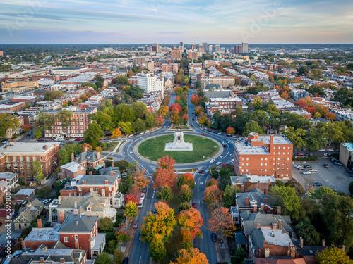 Fotografia Fall over Monument Avenue in Richmond, Virginia