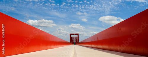 Canvas Print Panoramique perspective horizon pont rouge à Cergy (95000), département du Val-d
