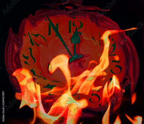 Fotografia doomsday clock in flames