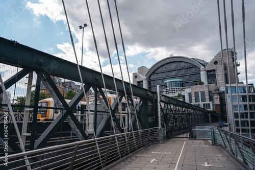 фотография Charing Cross railway station view from Hungerford Bridge and Golden Jubilee Bri
