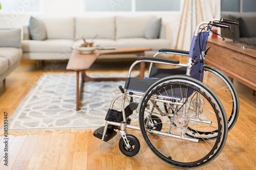 リビングと車椅子 Fototapet