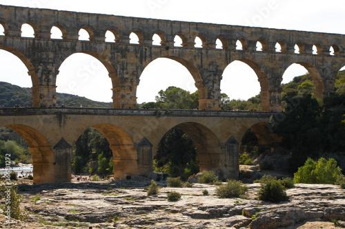Fototapeta premium Francja , Prowansja , sierpień 2019 , Pont du Gard