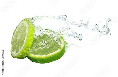 Canvas Print Water splash on lime slices