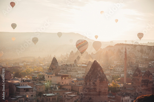 Photo Hot air balloon rides in Cappadocia at sunrise