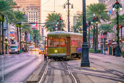 Leinwand Poster Streetcar in downtown New Orleans, USA
