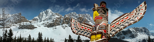 Canvas Print First Nation Totem pole, British Columbia , Canada