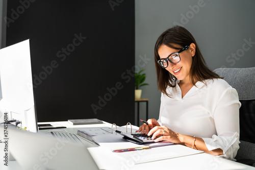 Leinwand Poster Accounting Bookkeeper Clerk Woman. Bank Advisor