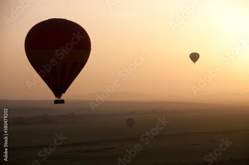 Canvas Hot Air Balloons At Sunrise at Kenia
