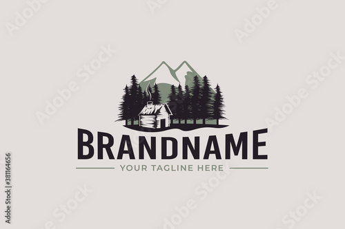 Carta da parati cabin logo vector graphic with pines and mountain for any business