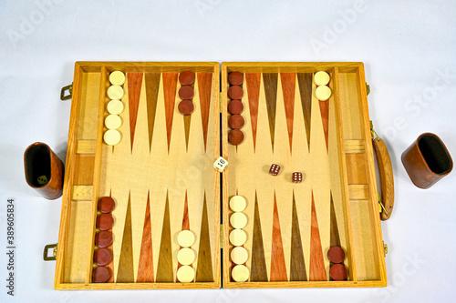 Fotografía backgammon board with game pieces and dices