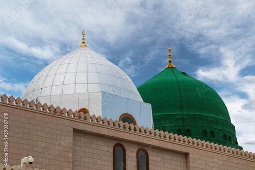 Obraz na plátně Medina / Saudi Arabia - 11 May 2017:  Green Dome Close up -  Prophet Mohammed Mo