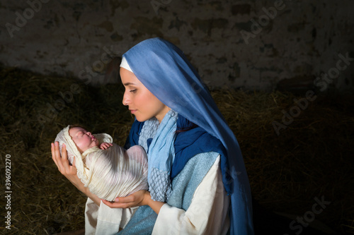 Fotografie, Obraz Virgin Mary holding baby Jesus