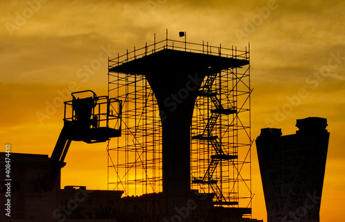 Photo background of a flyover bridge construction site in qatar during sunset