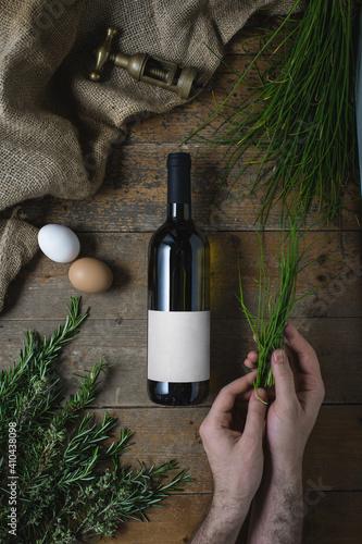 Foto Bottiglia di vino con etichetta neutro ideale per mockup