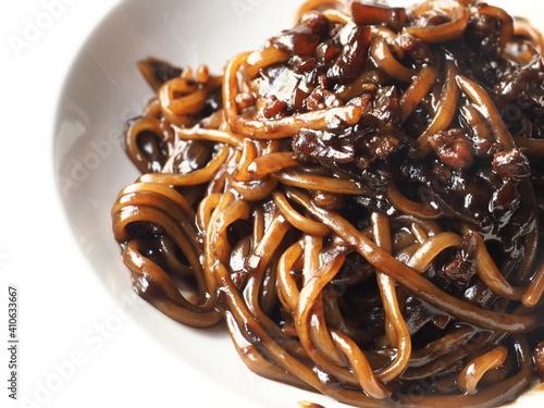 Photo Jjajangmyeon - Korean noodles with black bean sauce
