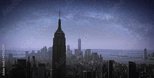 Empire State Building Against Sky Fototapeta