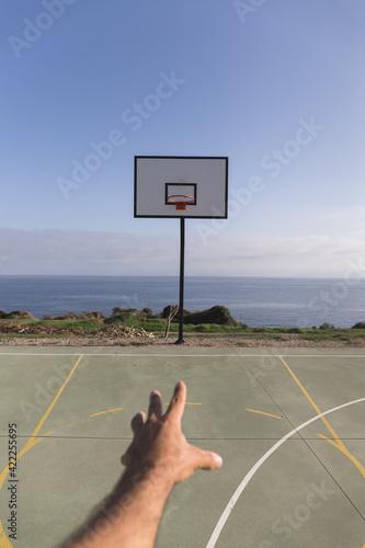 Obraz na plátně player shoots to basket