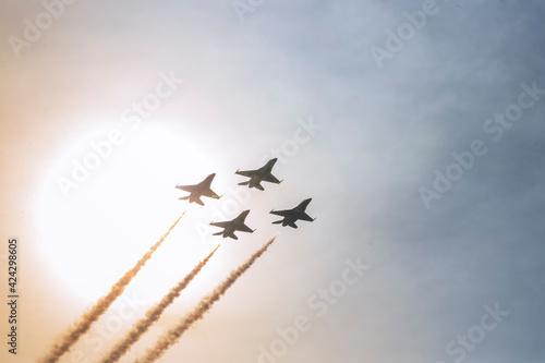 Photo airplane in the sky sun set
