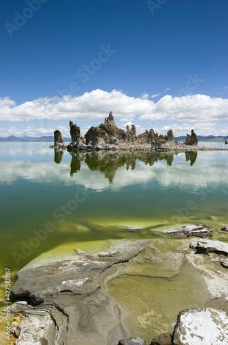 Fotografia Famous tufa formation at Mono Lake, California