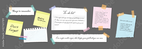 Fotografia Paper sticky notes, memo messages, notepads and torn paper sheets