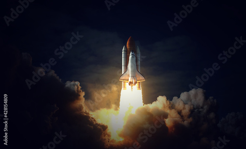 Stampa su Tela Space Shuttle takes off into space