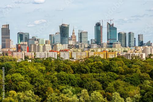 Obraz na plátne Warszawa Wola Park wieżowce centrum Warsaw Spire Varso Tower