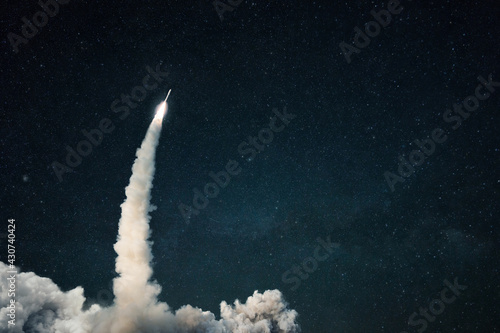 Wallpaper Mural Rocket lift off into space